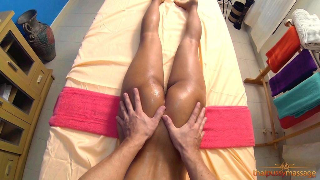 Hot Thai Girls Massaged at Thai Pussy Massage (9/14)