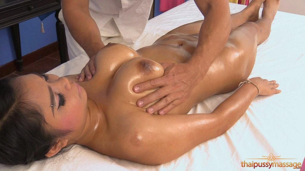 Thai Pussy Massage Picture Gallery (7/19)